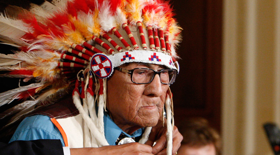 Joe Medicine Crow, last link to Battle of Little Bighorn, 'walks on' at age 102