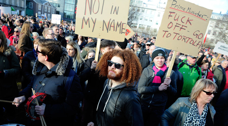 Panama Papers leak leads to 'largest protest' in Iceland's history (PHOTOS, VIDEOS)