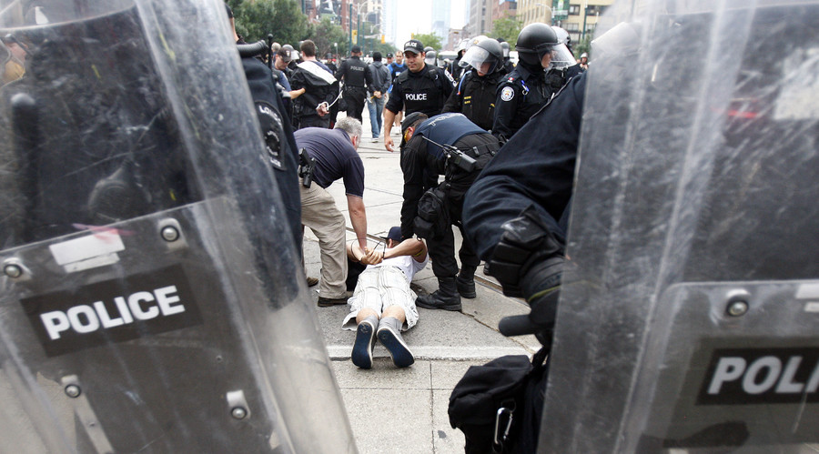 1,000+ people detained during Toronto G20 summit & kept at 'Torontonamo Bay' can sue police