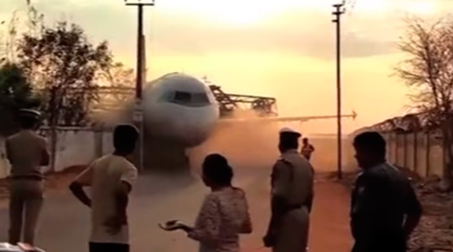 Crane crash: Air India plane smashes during airport maneuver (VIDEOS, PHOTOS)