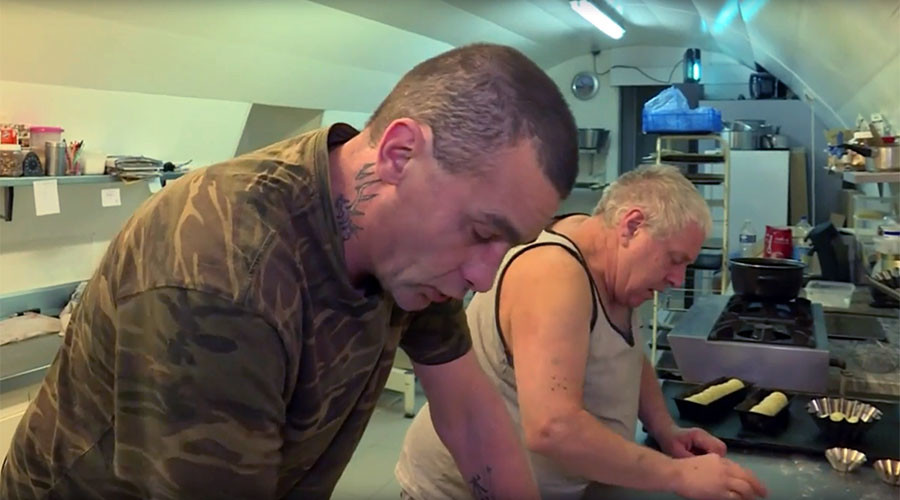Best thing since sliced bread: Baker gives homeless man his boulangerie for €1