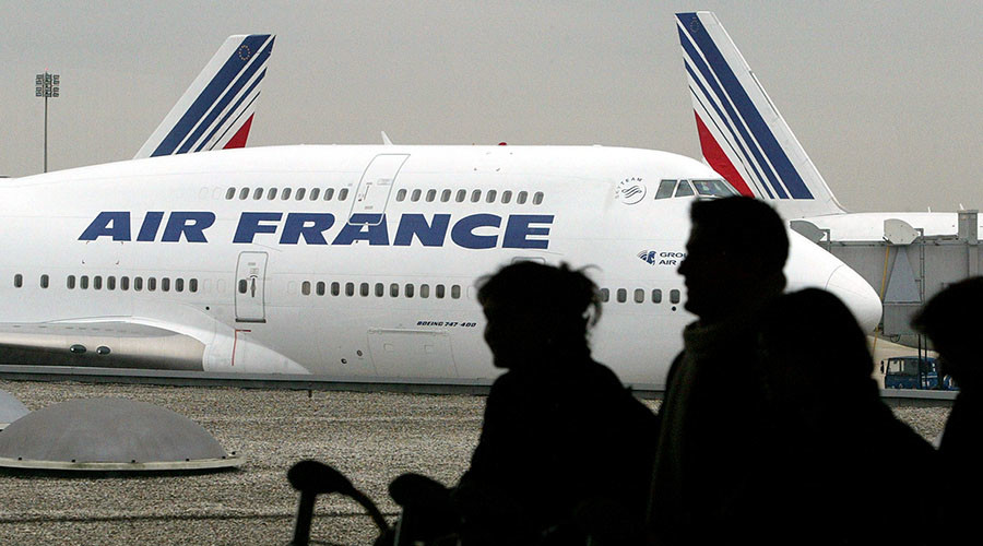 Air France's gay flight attendants protest Iran route, cite death penalty