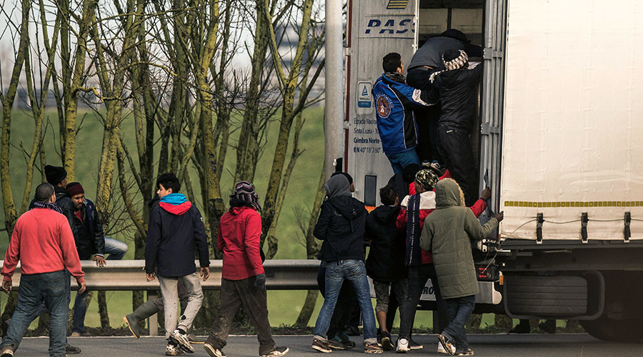 Criminals using social media to facilitate people smuggling into UK