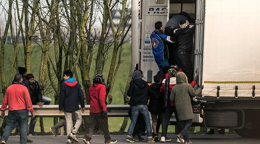 Criminals using social media to facilitate people smuggling into UK