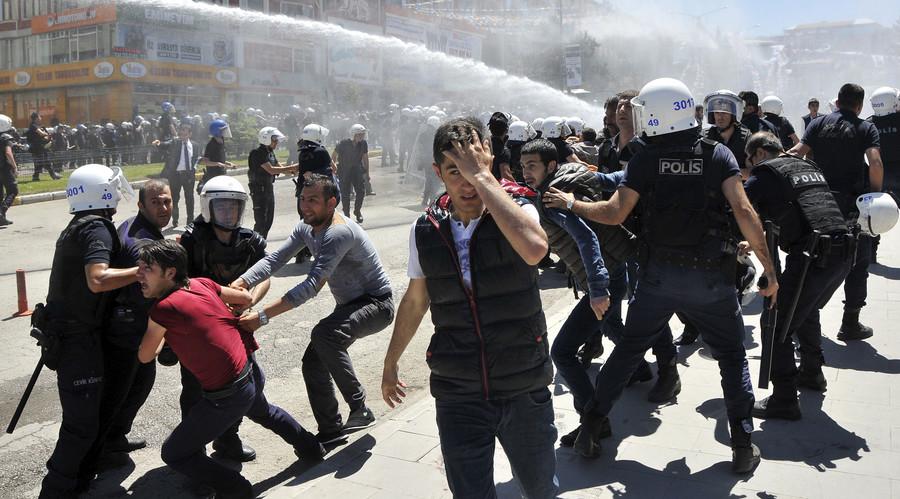 Putin: Ankara 'not so much fights radicals as cooperates with them,' civil war underway in Turkey