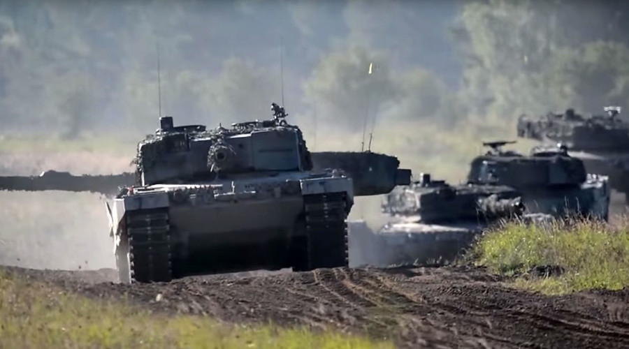 Swiss tank battalion could be sent to Italy border to stop 'migrant onslaught' - report