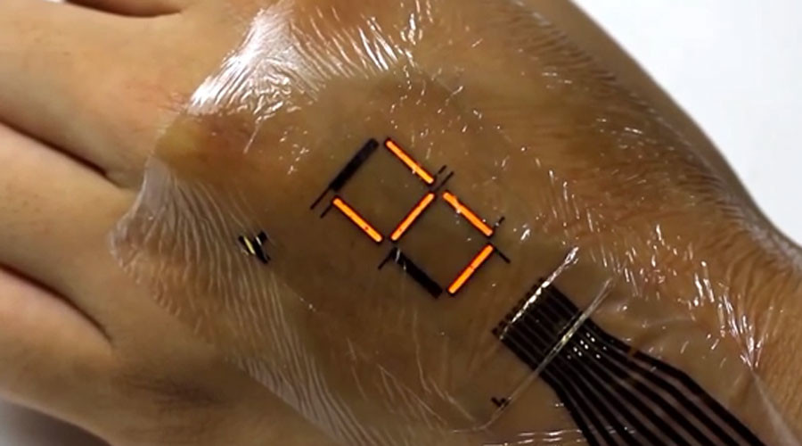 Electronic skin developed by scientists can monitor and display heart rate (VIDEO)