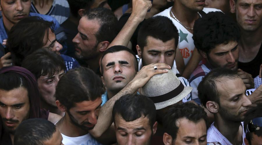 'No visa-free travel - no migrant deal,' Turkey tells increasingly wary EU