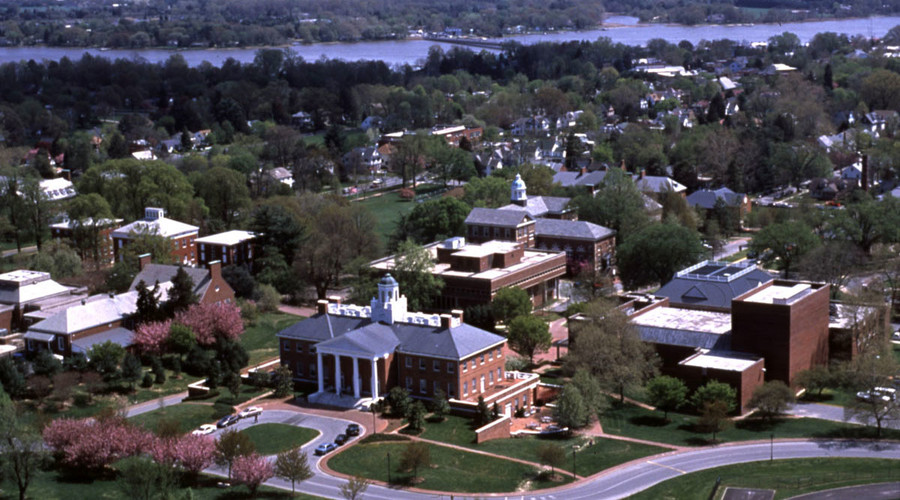 An aerial view of the Washington College campus and Chestertown, Maryland, United States. © Wikipedia