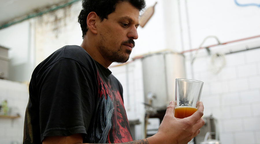 Biblical beer: Brewers recreate 2,000yo recipe using genetic sample