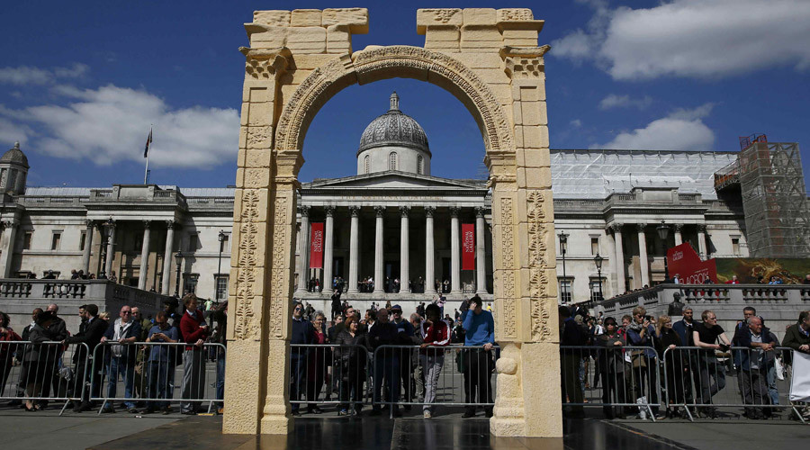 Syria's destroyed Arch of Triumph is recreated in London