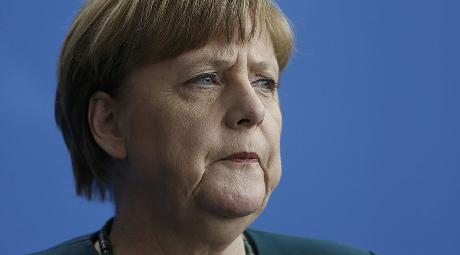 Merkel urges EU to 'share burden' of refugee crisis with Turkey