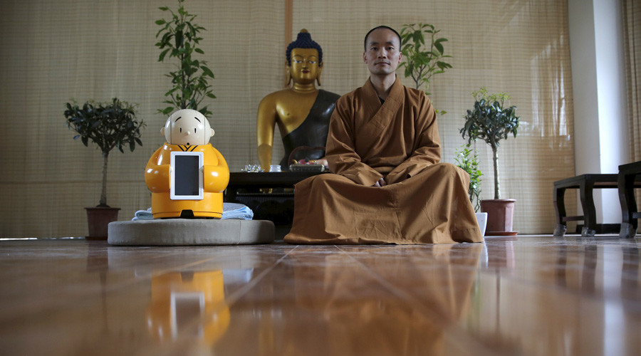 Buddha-bot: Chinese temple enlists mini monk robot to boost teachings (VIDEO)
