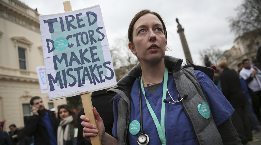 Striking junior doctors reject 'liar' Hunt's 'scaremongering', say world-class care continues