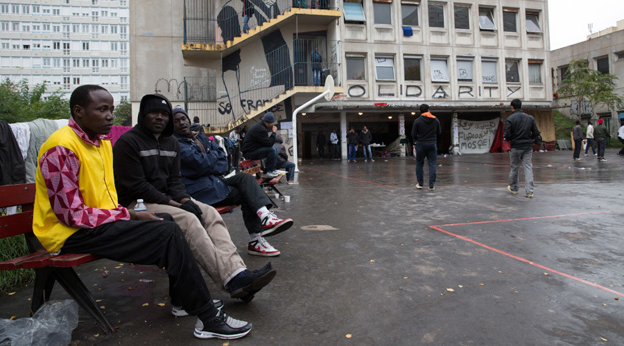64% of French say refugees are 'a major source of crime' – poll