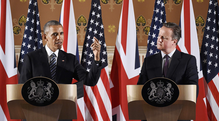 Britain's Prime Minister David Cameron (R) and US President Barack Obama (L) attend a press conference at the Foreign and Commonwealth Office in central London on April, 22, 2016. © Andy Rain