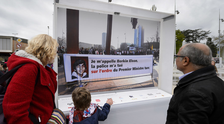 April 25, 2016 – visitors view a picture by Swiss photojournalist Demir Sonmez at the Place des Nations in Geneva of Berkin Elvan, who was fatally injured during mass demonstrations against then Prime Minister Recep Tayyip Erdogan © Fabricce Coffrini
