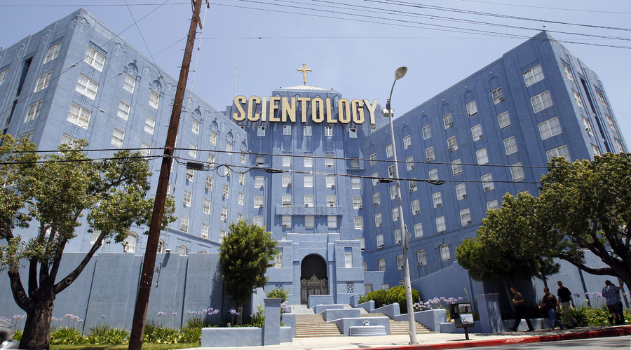 Face-off: Scientology leader threatens to sue his father over tell-all book