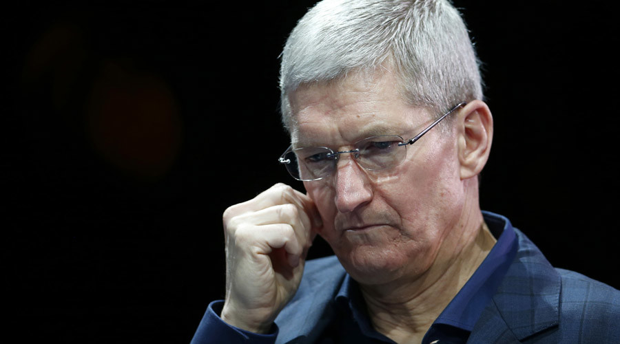 First revenue drop for Apple since 2003