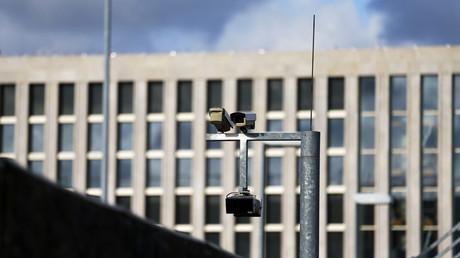 Surveillance cameras overlook the building site of the new headquarters of the Bundesnachrichtendienst (BND), Germany's Federal Intelligence Service in Berlin © Tobias Schwarz