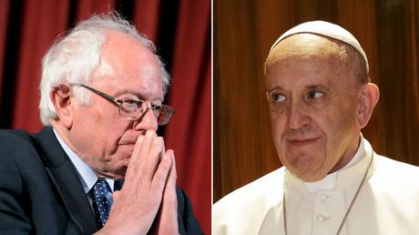 Democratic U.S. presidential candidate Bernie Sanders (L), Pope Francis. © Reuters