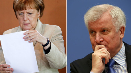 German Chancellor Angela Merkel (L), Horst Seehofer. © Reuters