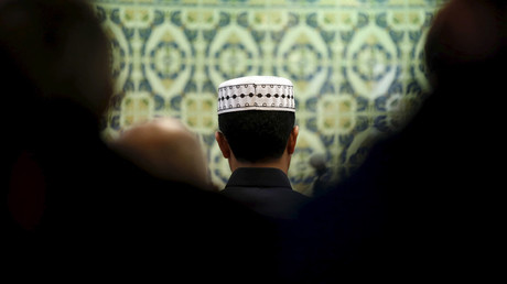 Members of the Muslim community pray in a mosque in Marseille © Jean-Paul Pelissier