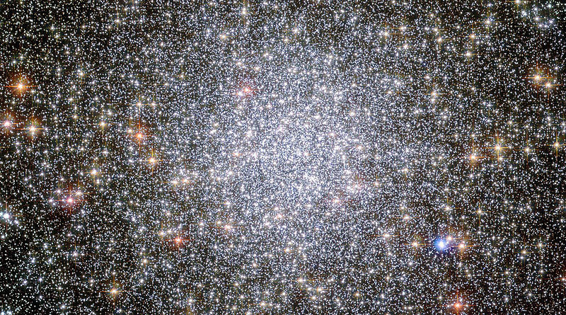 A globular cluster known as NGC 104 — or, more commonly, 47 Tucanae, since it is part of the constellation of Tucana (The Toucan) in the southern sky. © Wikipedia