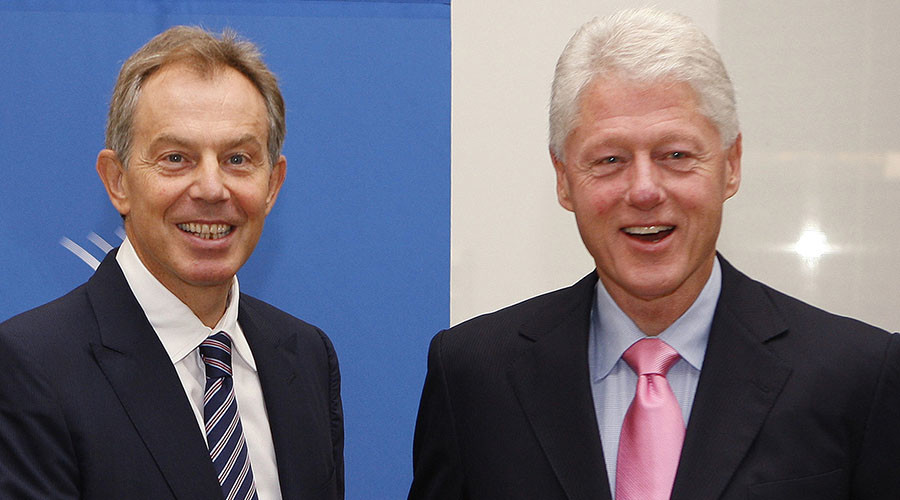 Former U.S. president Bill Clinton (R) and former British prime minister Tony Blair. © Chip East