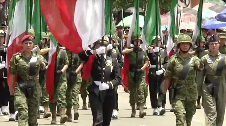 Mexico celebrates victory over the French with military ceremony