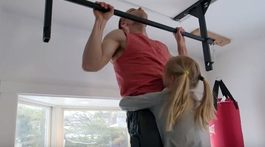 'Pull-Up Guy' Ron Cooper smashes Guinness World Records