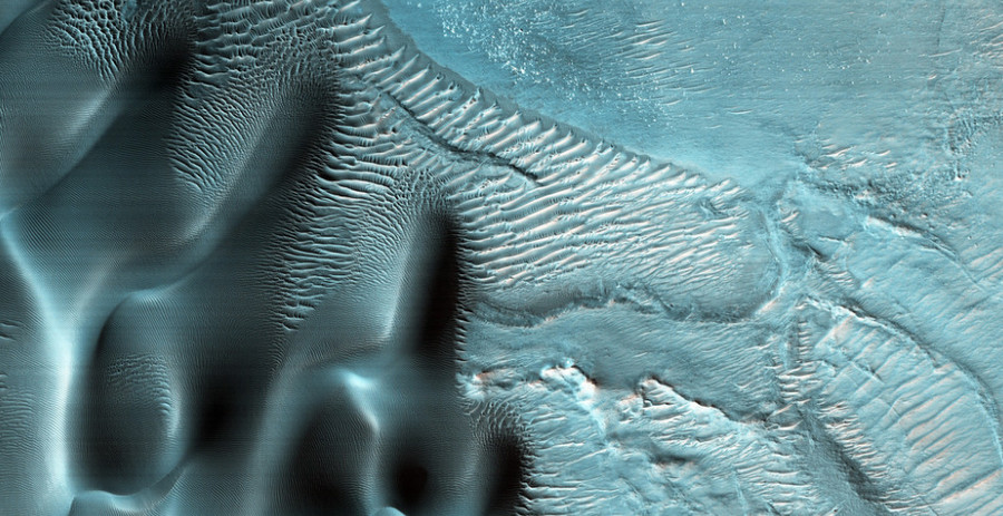 © NASA/JPL-Caltech/Univ. of Arizona