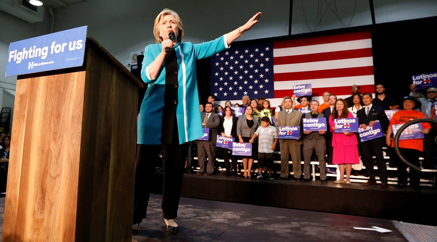 Democratic presidential candidate Hillary Clinton speaks at East Los Angeles College in Los Angeles, California, U.S., May 5, 2016. © Lucy Nicholson