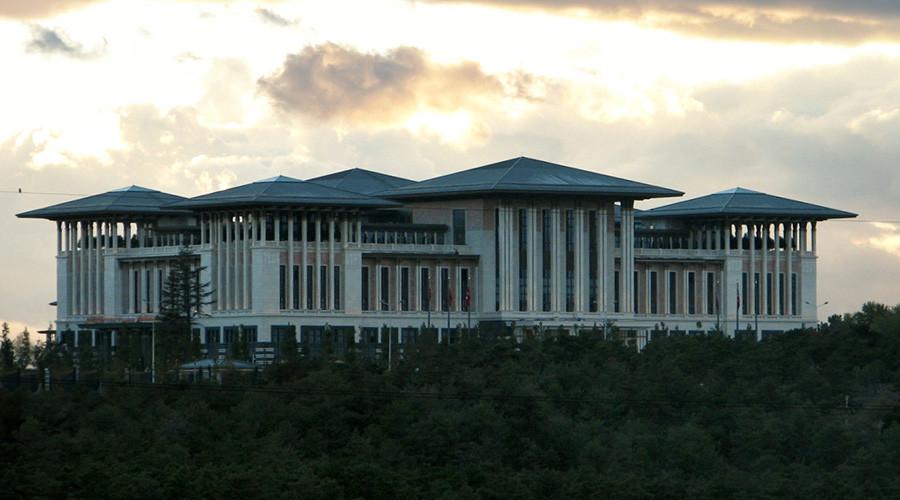 Ak Saray, presidential palace in Ankara © Wikipedia