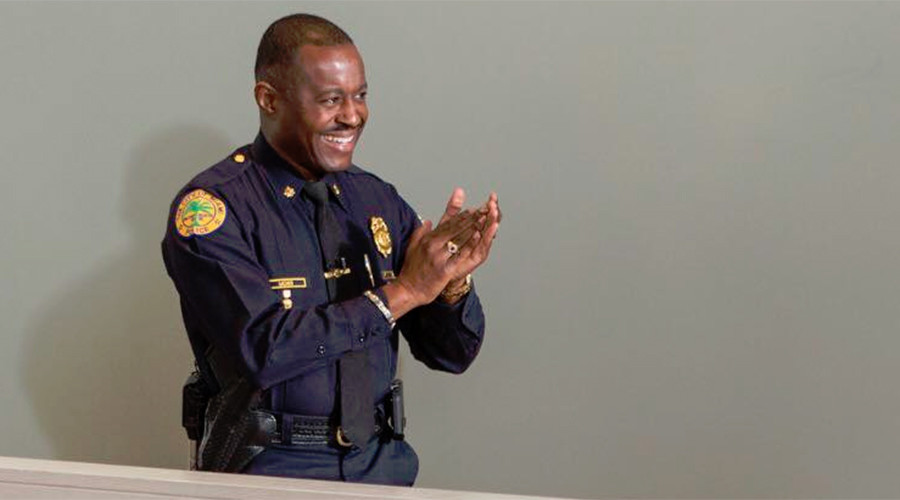 Ferguson swears in African-American police chief