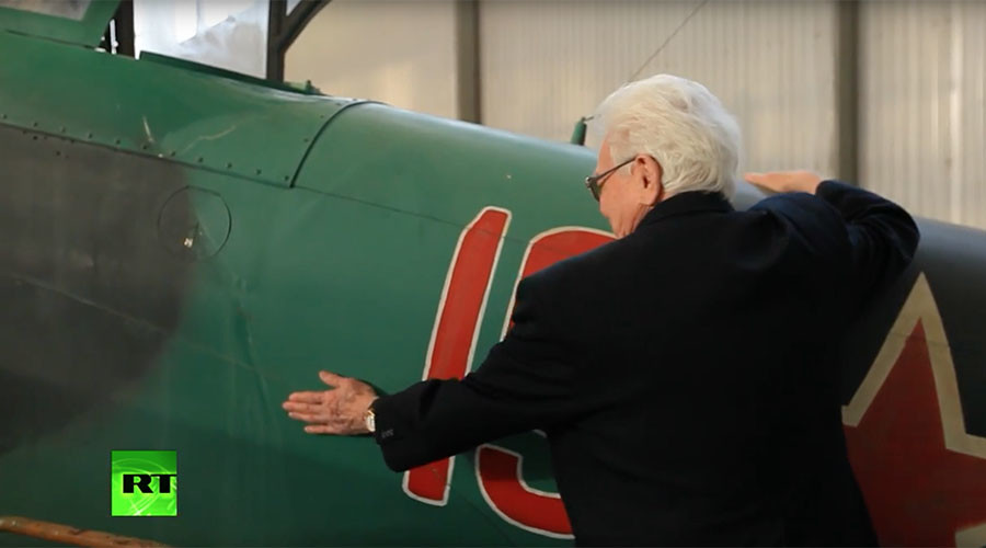 WWII pilots revisit their planes, share wartime stories in touching video
