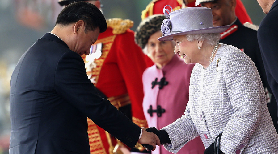 File photo: Britain's Queen Elizabeth greets China's President Xi Jinping during a ceremonial welcome at Horse Guards Parade in London, Britain October 20, 2015. © Chris Jackson