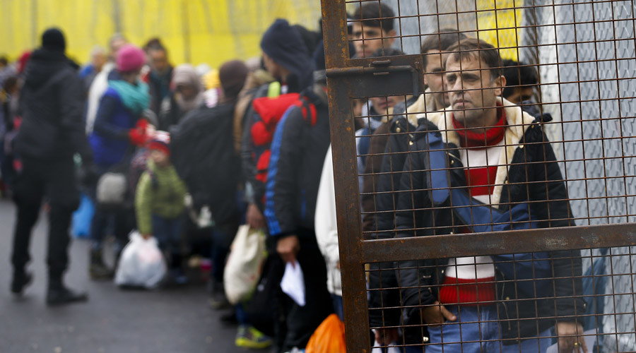 Austria passes law to shut off border if refugee influx is too great