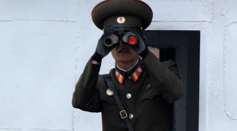 A North Korean soldier © Jacky Chen
