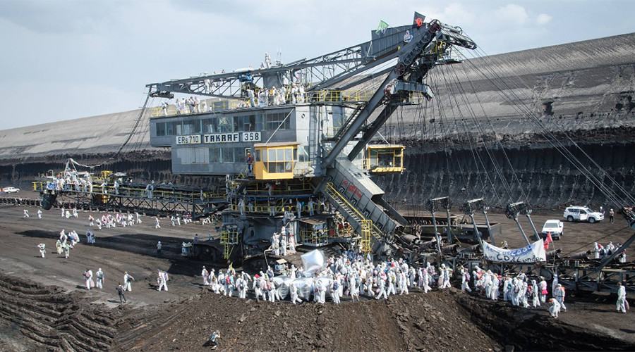 'Climate crime scene': Eco-activists block coal mine, power plant in Germany (PHOTOS, VIDEO)