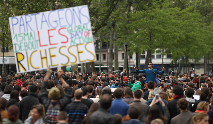 Thousands gather across Europe for Global Debout protests