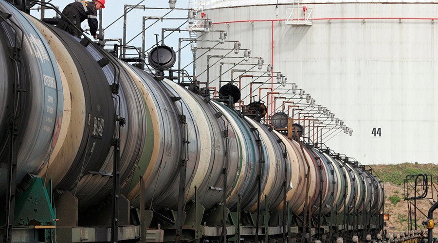Russia's oil exports up, but revenues down sharply