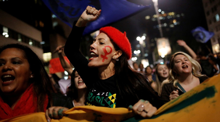 Women shout slogans during a protest against Brazil's interim President Michel Temer and in support of suspended President Dilma Rousseff at Paulista Avenue in Sao Paulo, Brazil, May 17, 2016. © Nacho Doce