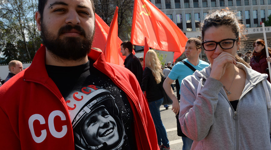 Supporters of the Communist Party of the Russian Federation before a procession at Moscow's Kaluzhskaya Square on the International Workers' Day. © Vyatkin Vladimir