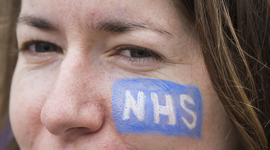 Cameron faces 1st Queen's Speech defeat since 1924 over failure 'to protect NHS from TTIP'