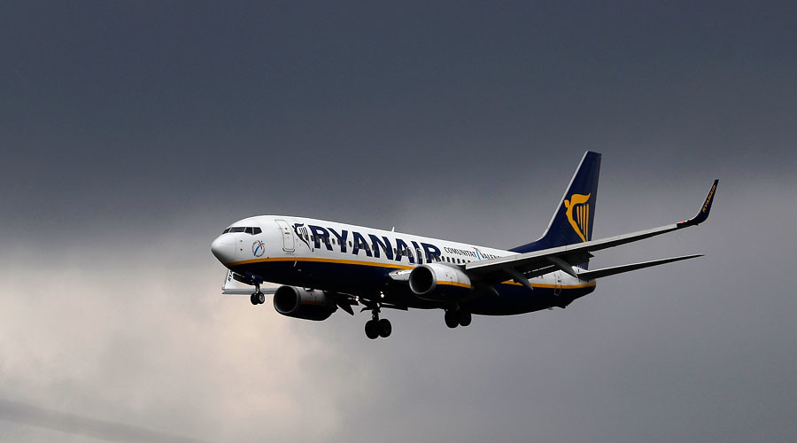 Brexit class: Ryanair's bargain-price 'Fly Home to Vote Remain' promo branded 'corrupt'