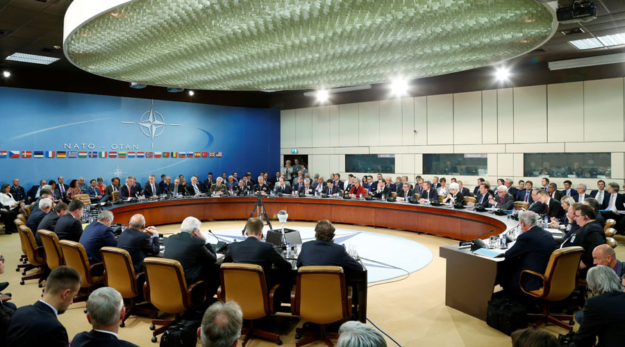 NATO foreign ministers attend a meeting at the Alliance headquarters in Brussels, Belgium May 19, 2016. © Francois Lenoir