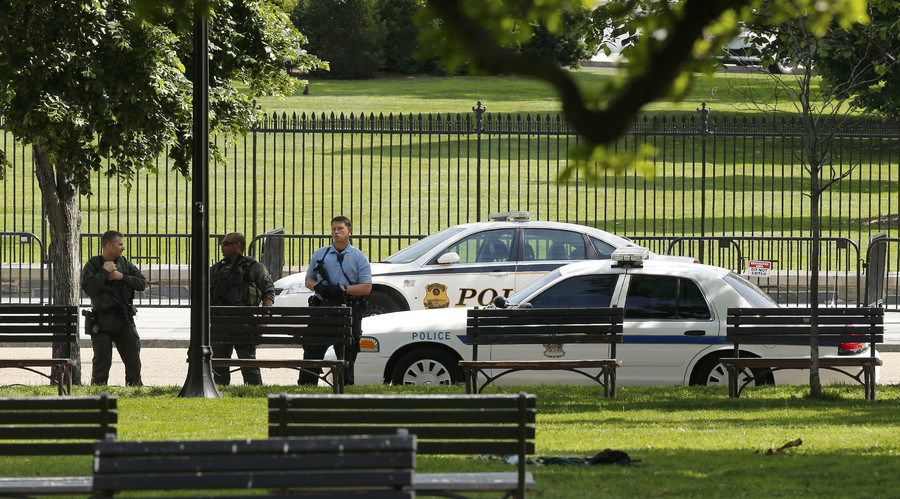 Police secure a location after a shooting near the White House in Washington DC, U.S. May 20, 2016. © Jonathan Ernst