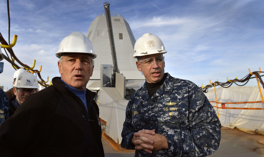 "US Navy Capt. James ""Jim"" Kirk, talking to Defense Secretary Chuck Hagel on board the USS Zumwalt (DDG 1000) at Bath Iron Works in Brunswick, Maine, on November 21, 2013. © Glenn Fawcett (Department of Defense)"