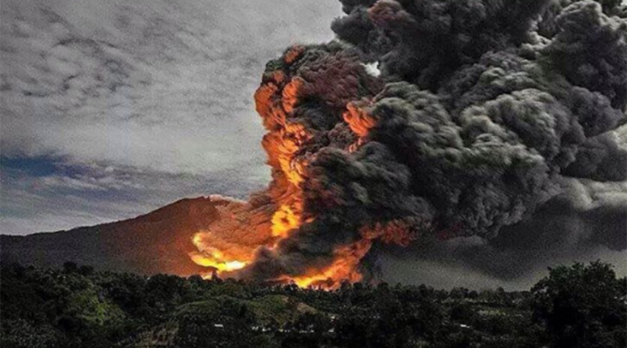 Apocalyptic scenes in Indonesia as deadly volcano erupts, spewing hot ash, killing 7 (VIDEO,PHOTOS)
